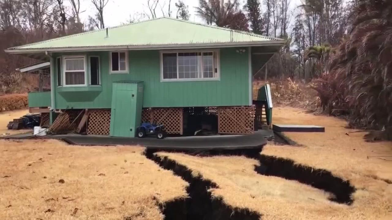 House falls into crack