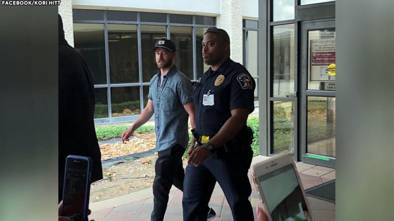 JT visits Santa Fe victims