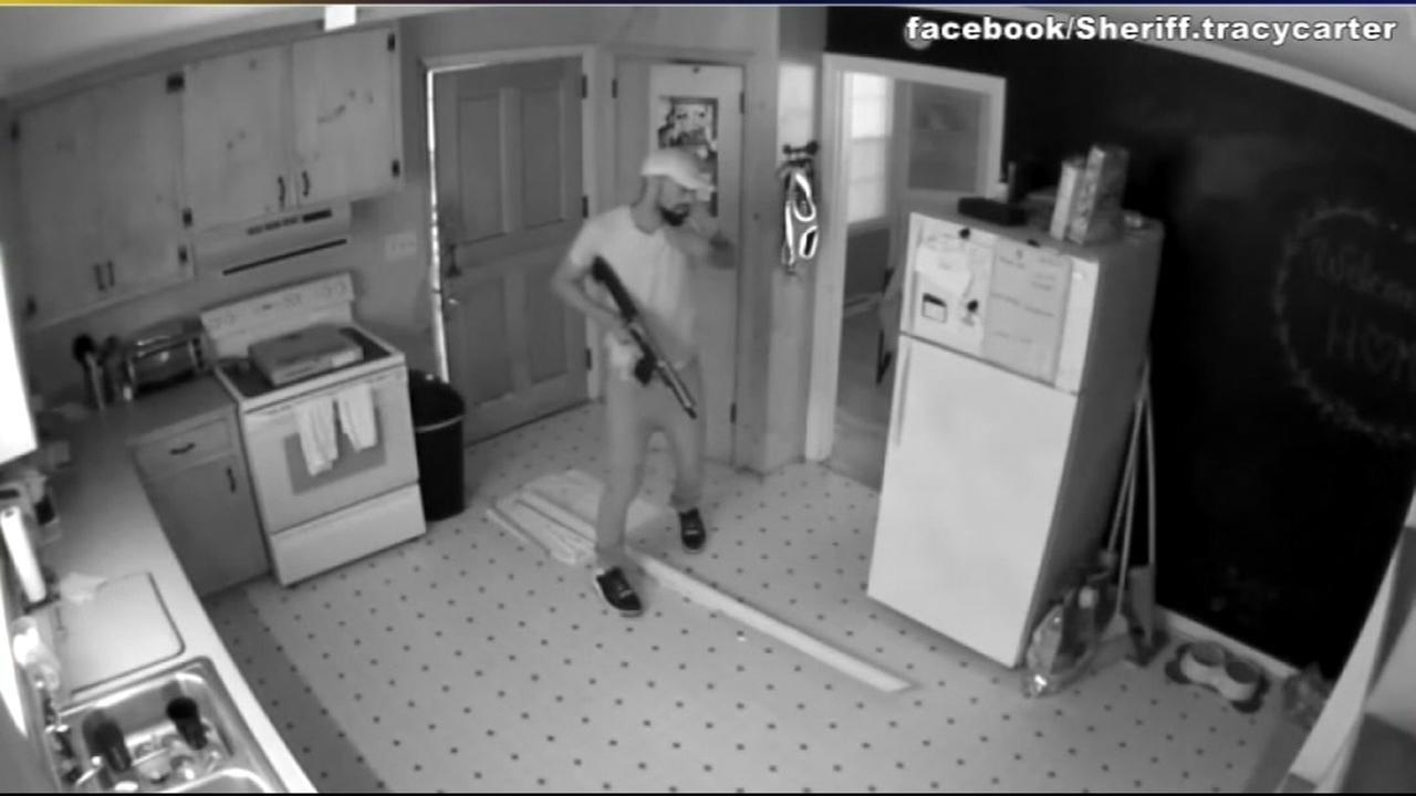 Intruders ignore homeowners sign and break into home in North Carolina