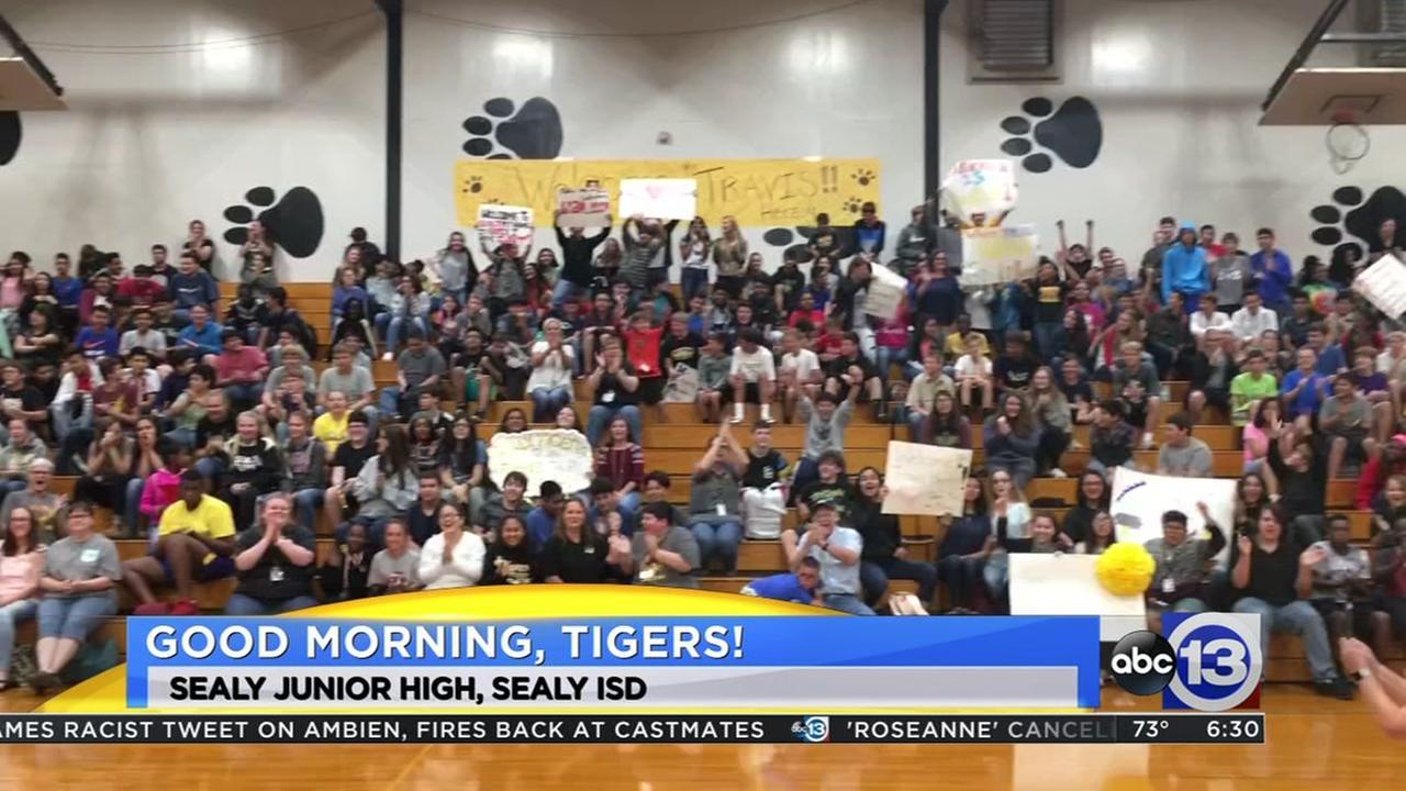 Meteorologist Travis Herzog visits Sealy Junior High