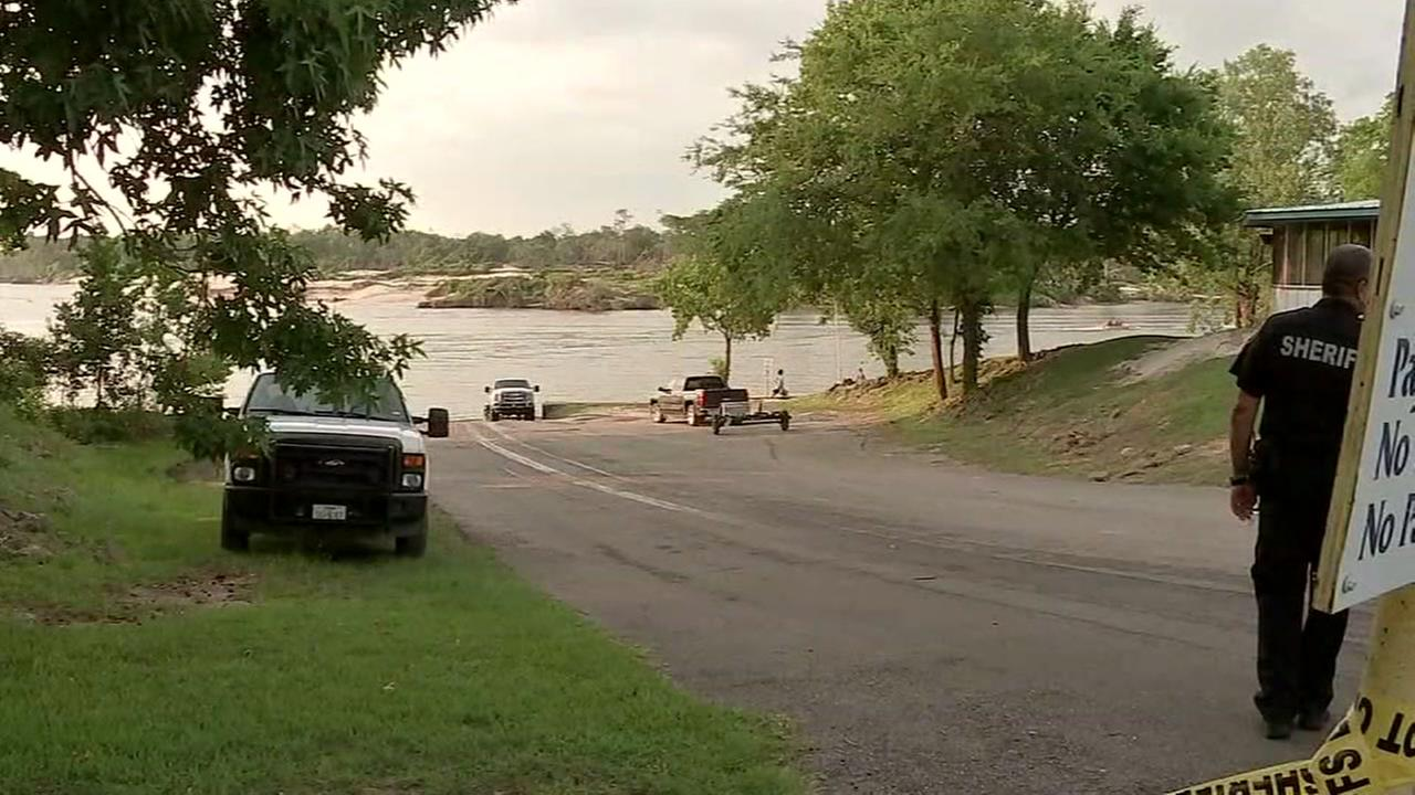12-year-old drowned trying to save mom