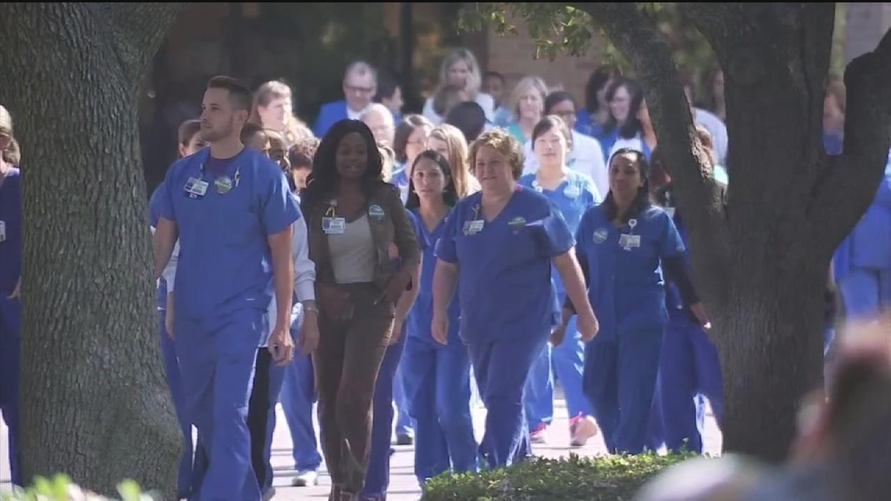 Dallas hospital nurses speak out about Ebola cases