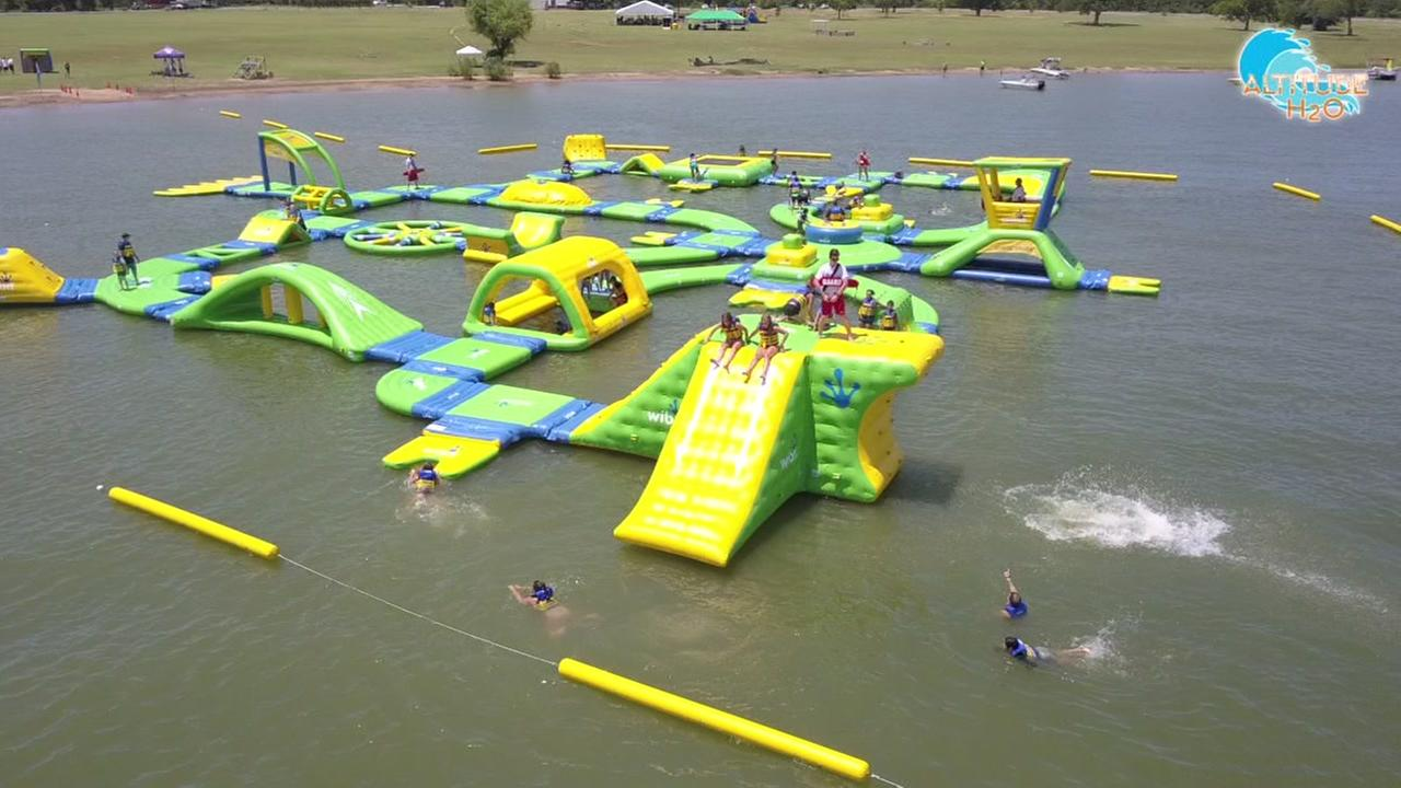 Floating water park opens in Grapevinbe