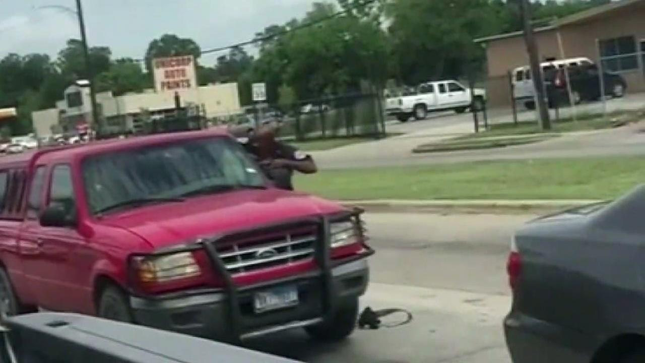 Argument erupts in gunfire at busy N. Houston intersection