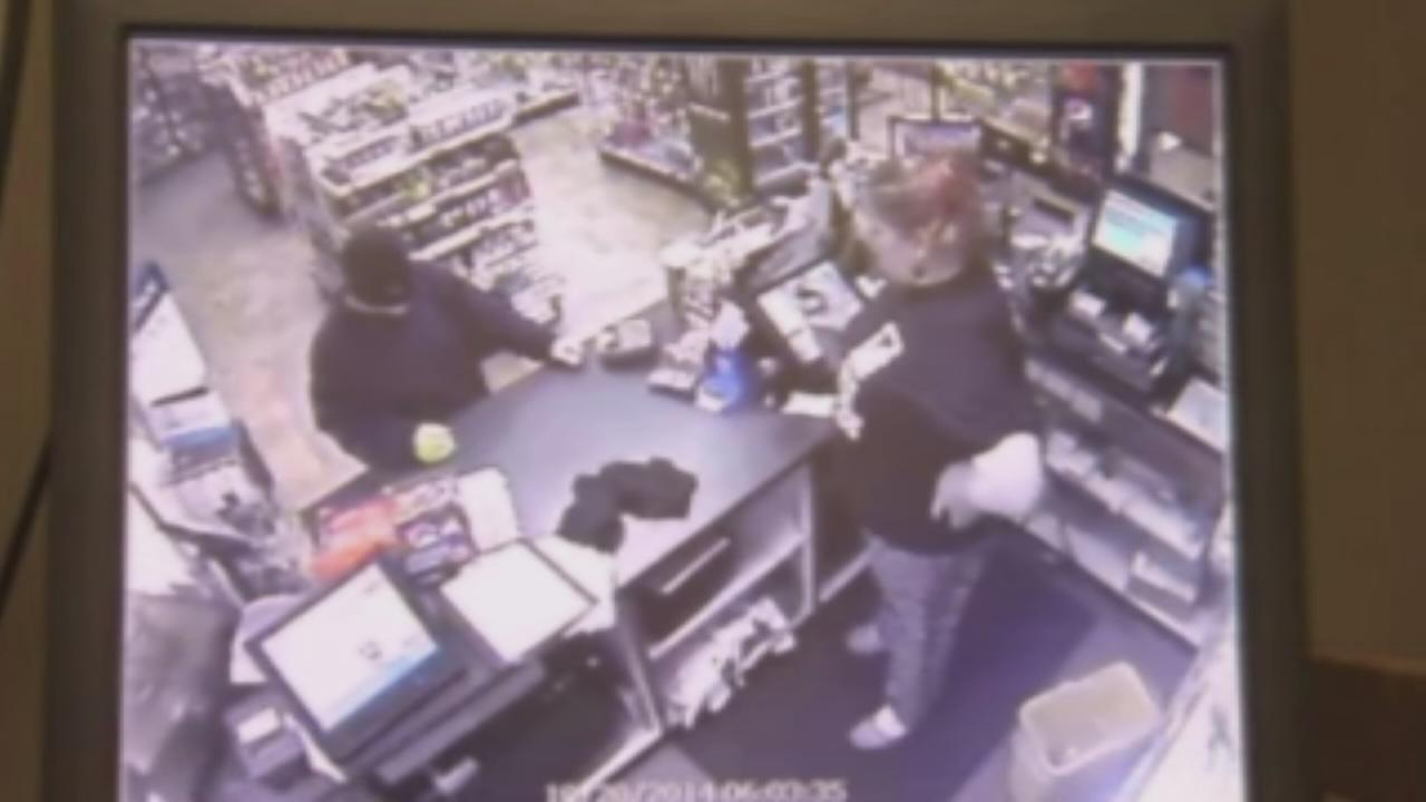 Clerk uses bug spray to thwart robbery