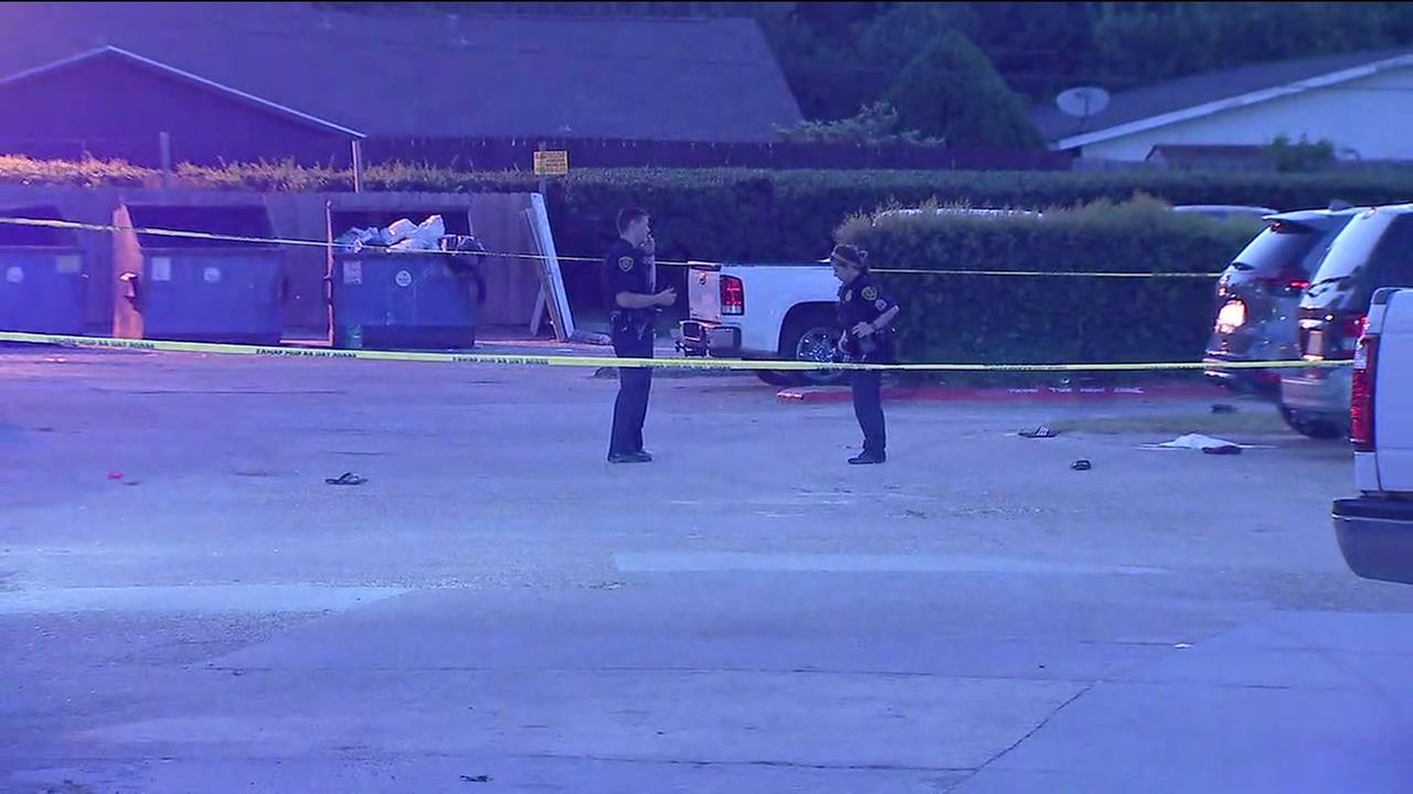 Search for gunman in NW Houston