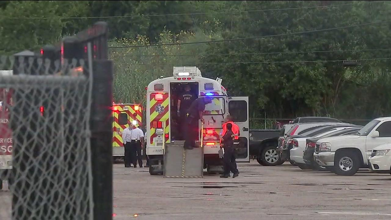 24 people transported to hospital after carbon monoxide incident in SE Houston