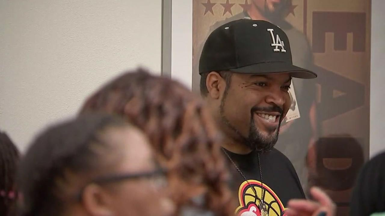 Ice Cube surprises Houston moms for unforgettable luncheon