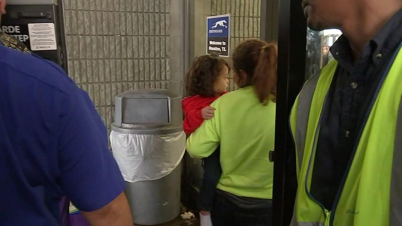 Immigrant families arrive in Houston