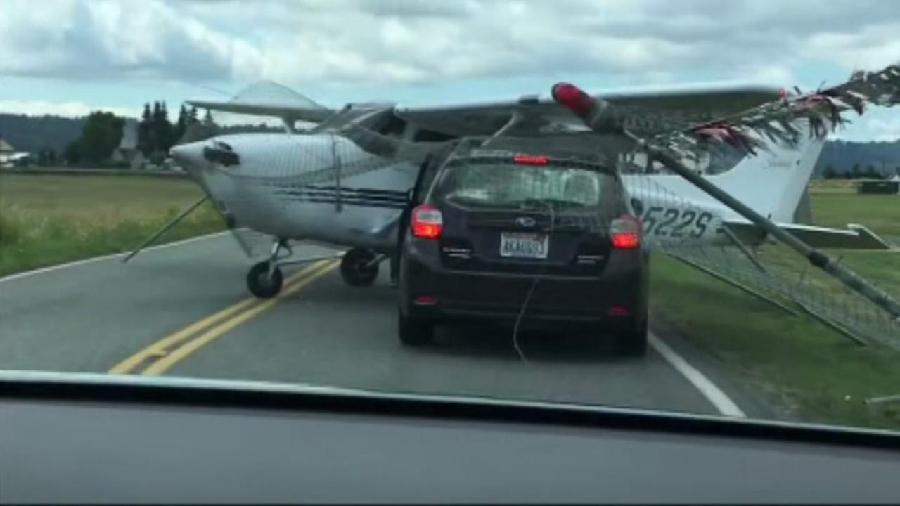 plane hits fence
