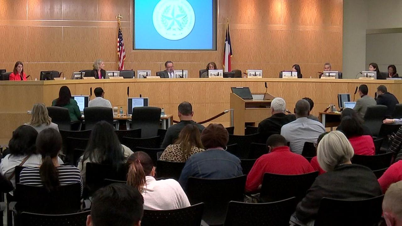 HISD votes on new budget