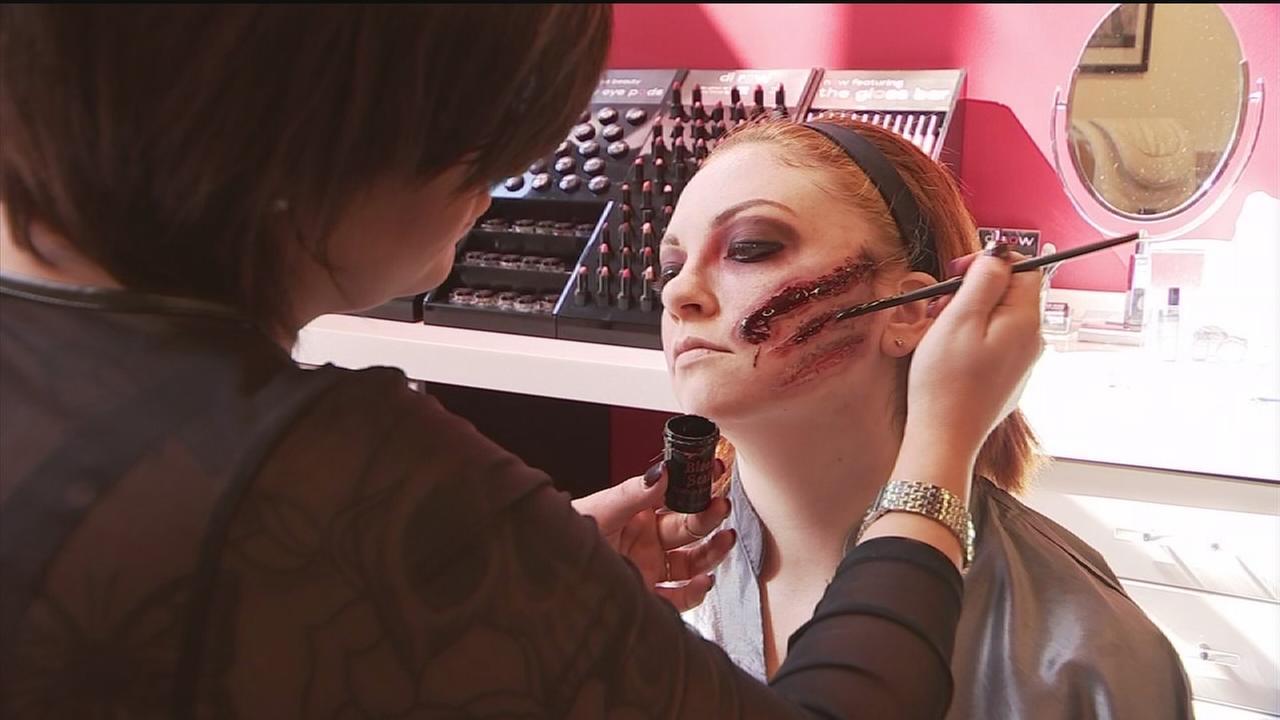 Makeup tutorials for most popular Halloween looks