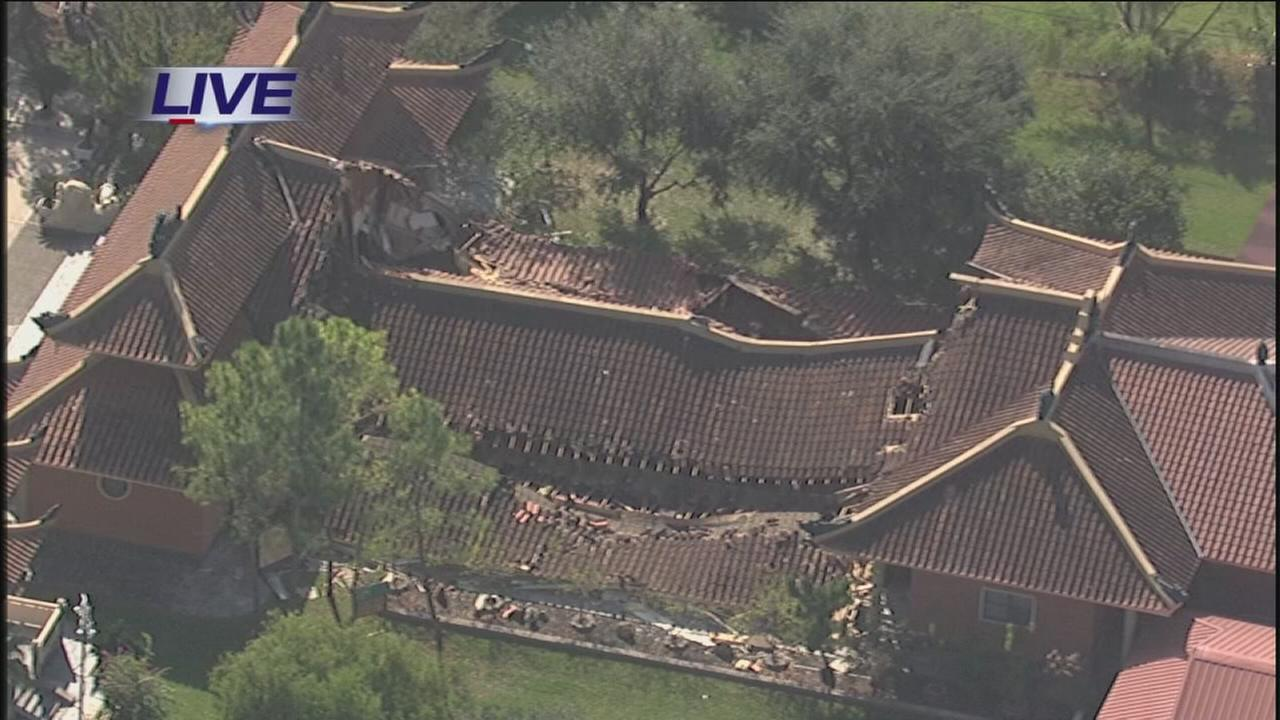 Roof collapses at SW Houston Buddhist center