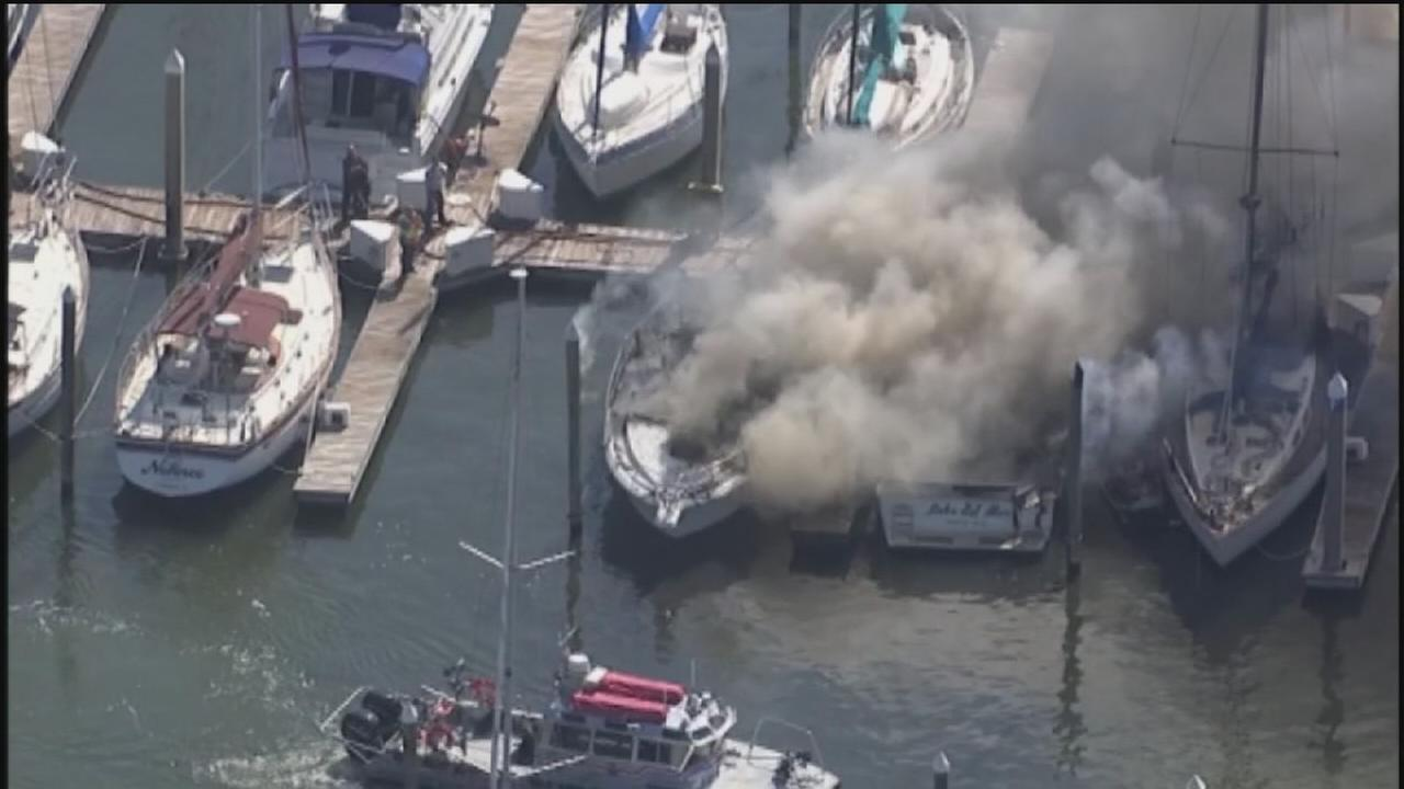 Fire destroys boat near Kemah Boardwalk