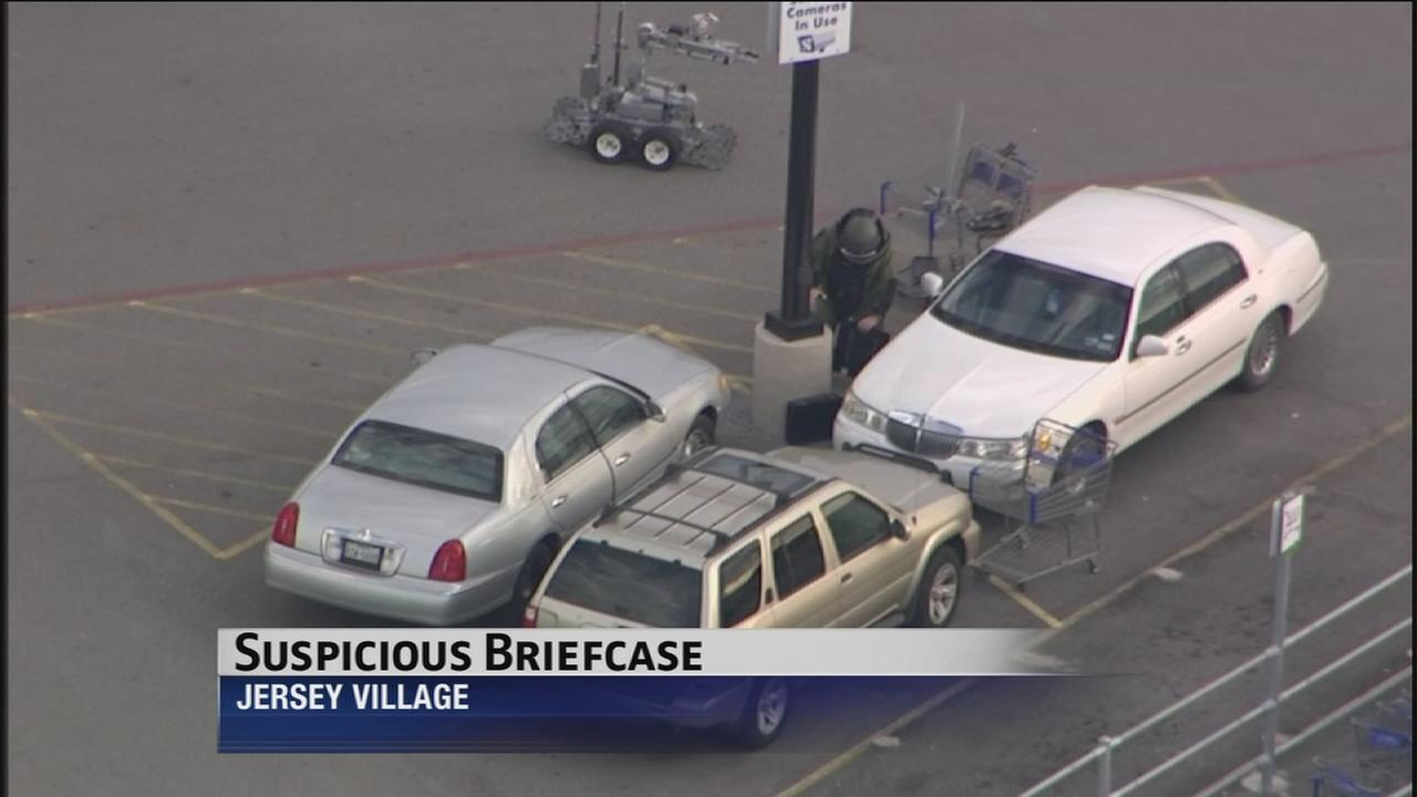 Suspicious briefcase behind movie-like drama at Sams Club