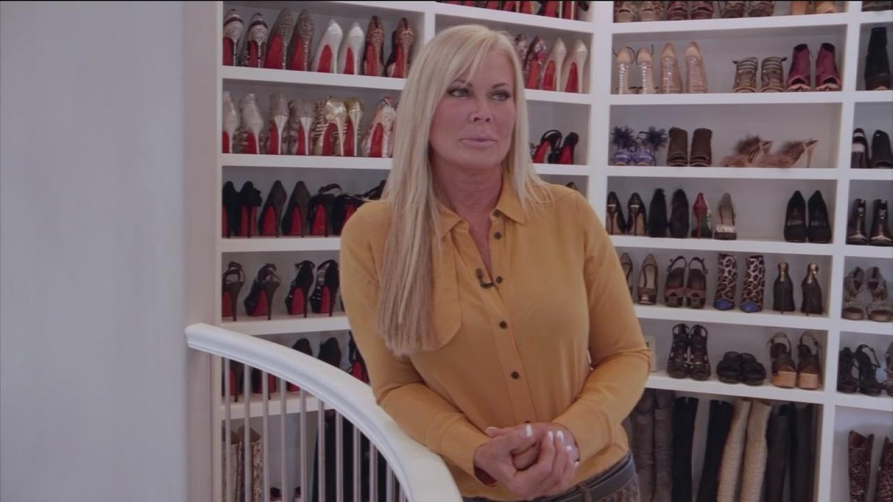 Theresa Roemer S 500 000 Closet Still On The Market After Robbery