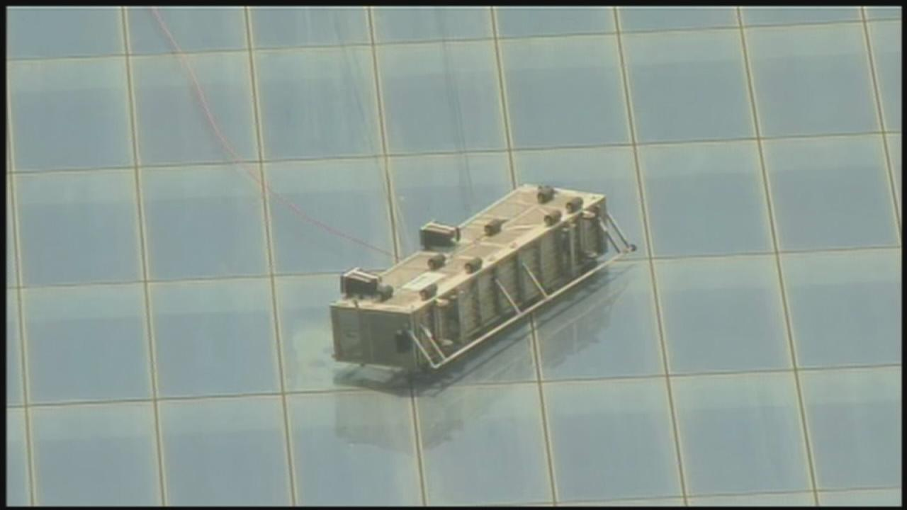 At least 1 trapped on 1 World Trade