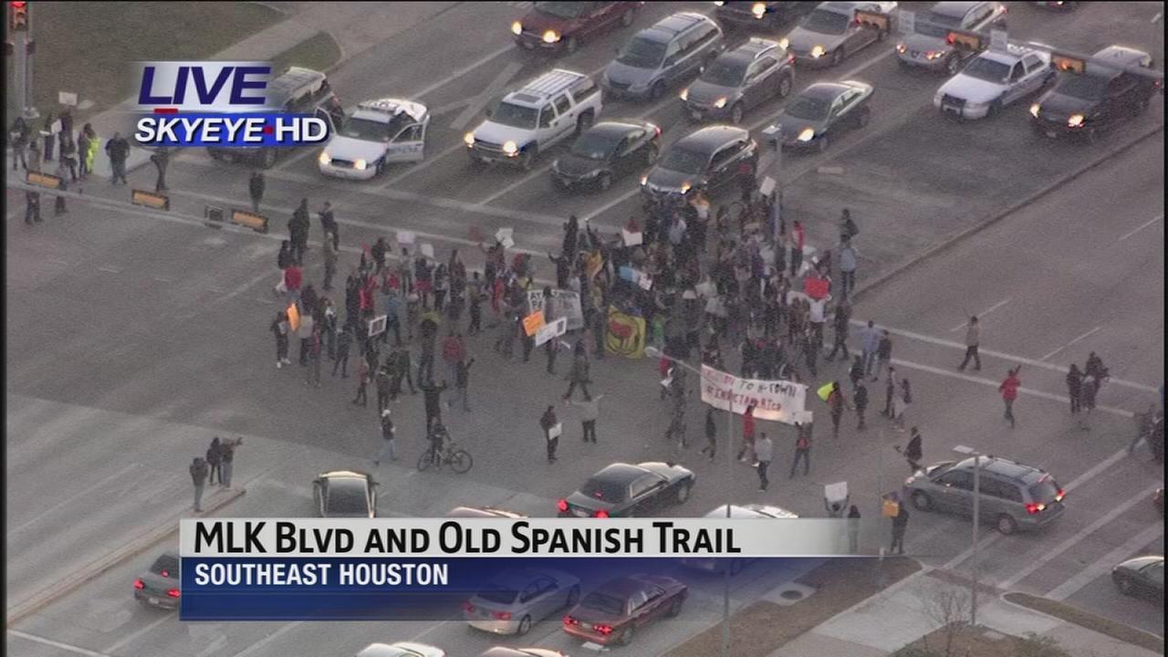 Demonstrators block intersection