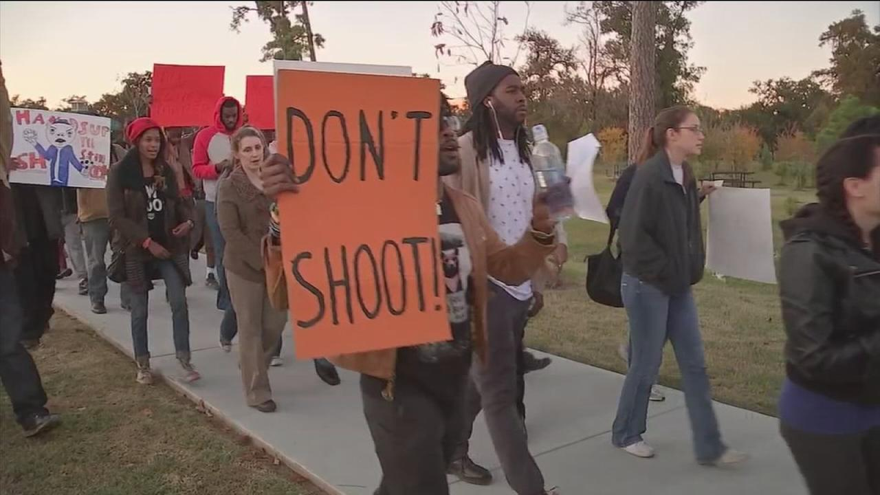 Houstonians march in protest of Ferguson decision