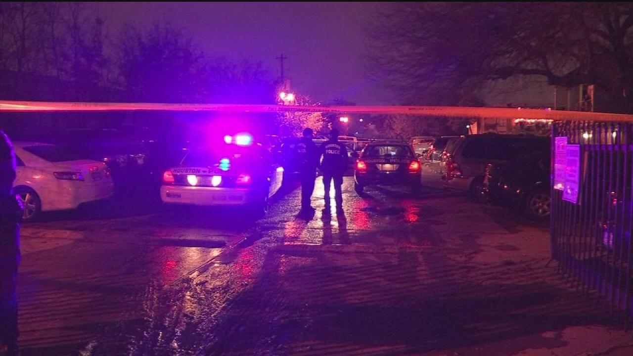 Man shot, killed during robbery
