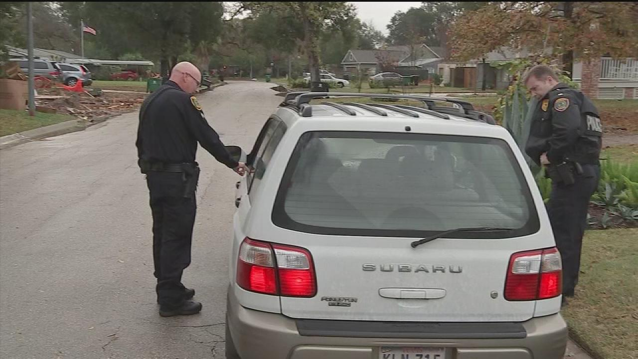 HPD officers paying drivers
