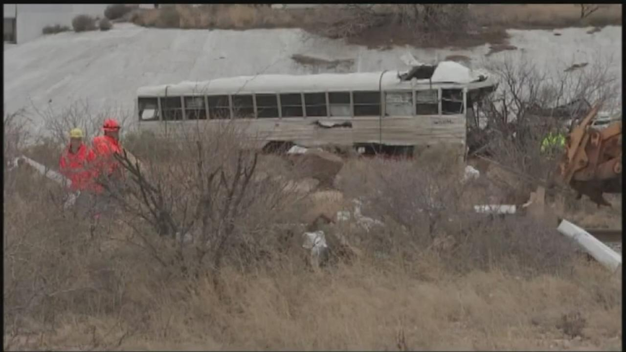 10 dead in Texas prison bus wreck