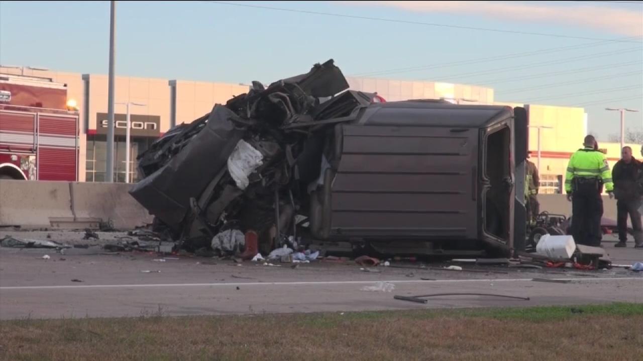 Wrong-way wreck kills 1 in east Harris County