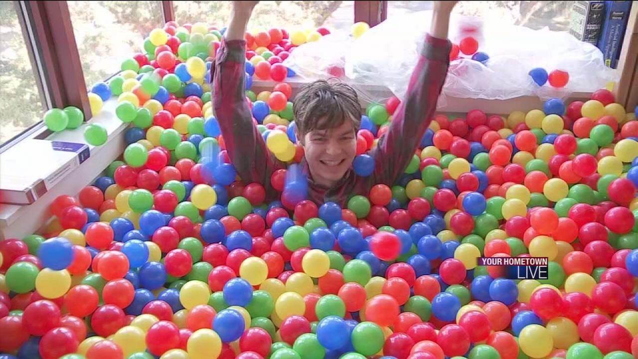 College Senior Turns Rice University Dorm Room Into Ball Pit | Abc13.com Part 80
