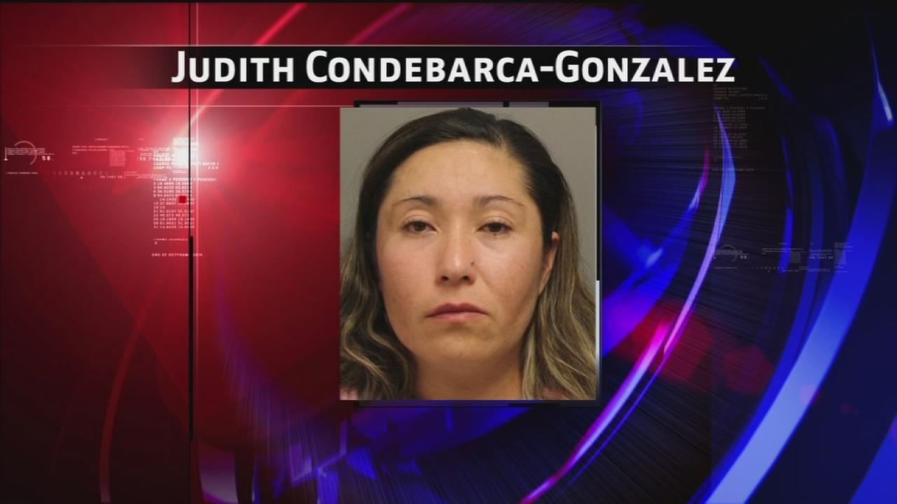 Mom accused of beating girl with power cord