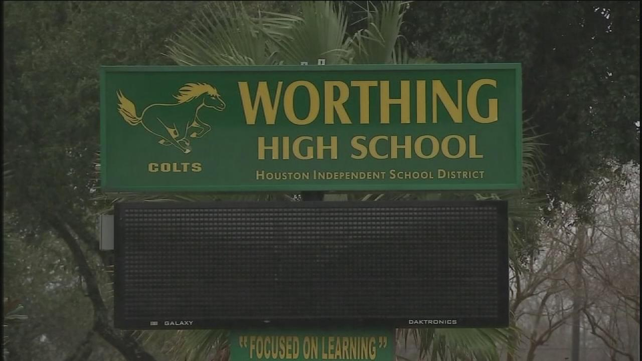 Teacher accused of inappropriate relationship with student
