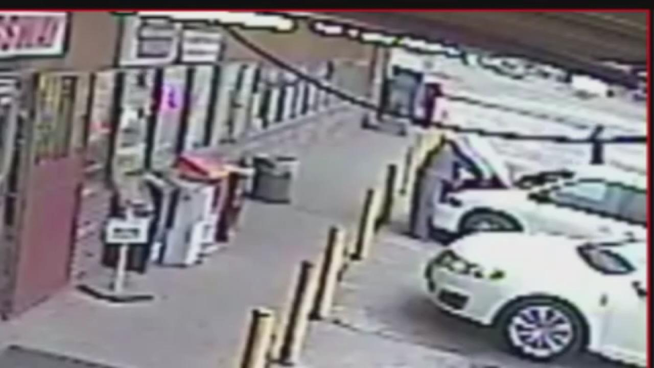 Video from attempted carjacking in east Harris County