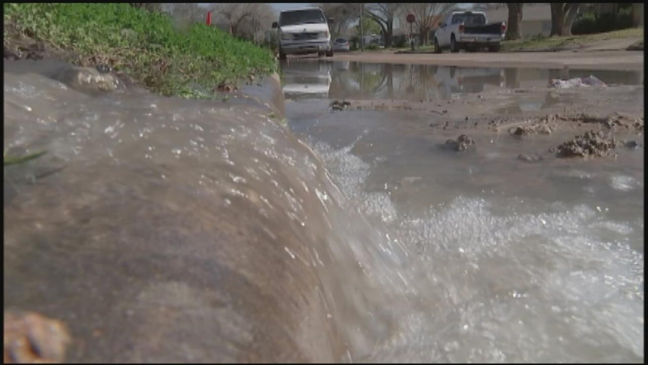 Water main break leaves residents with no water for days