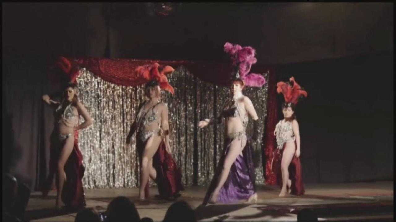 Behind the boas in Houstons burlesque community