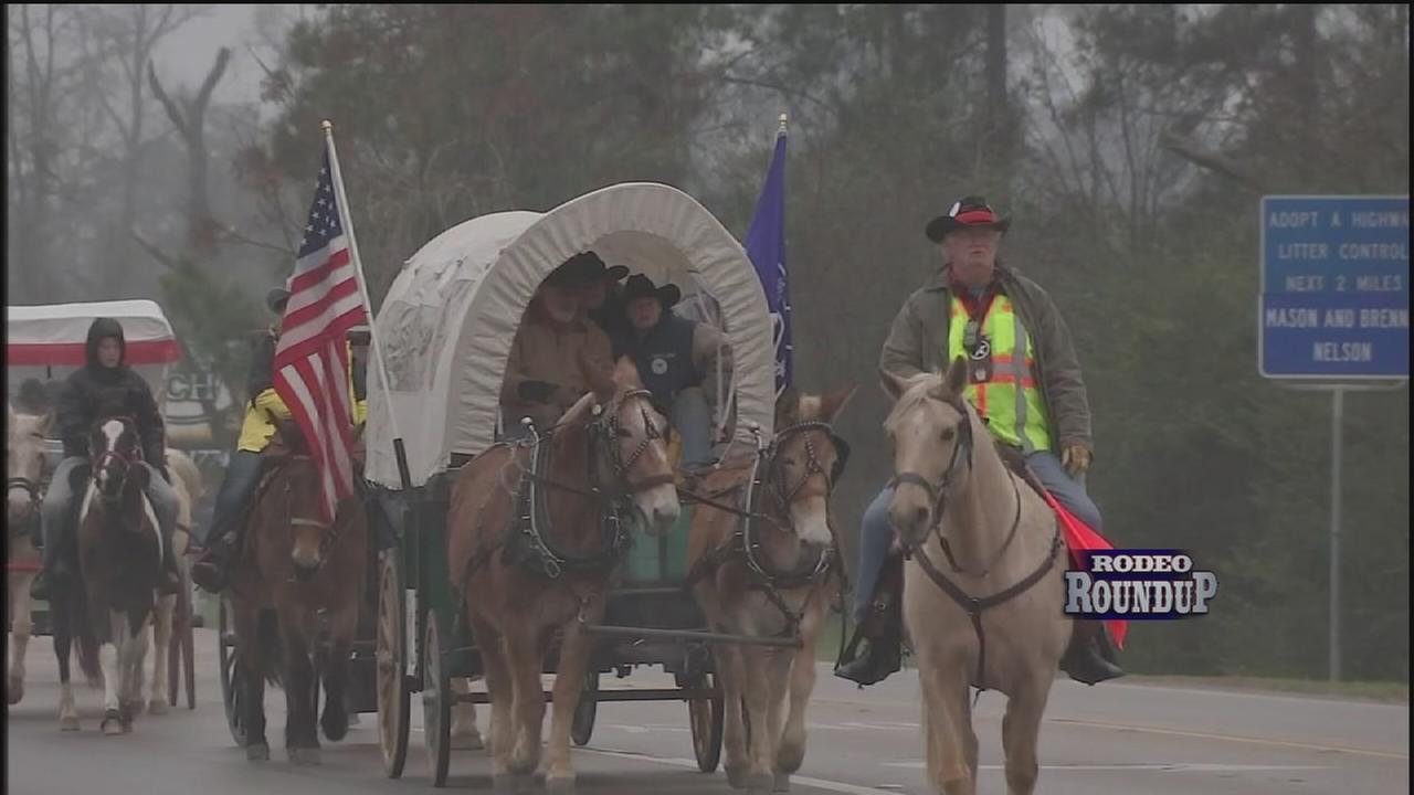 Trail riders head toward the Rodeo