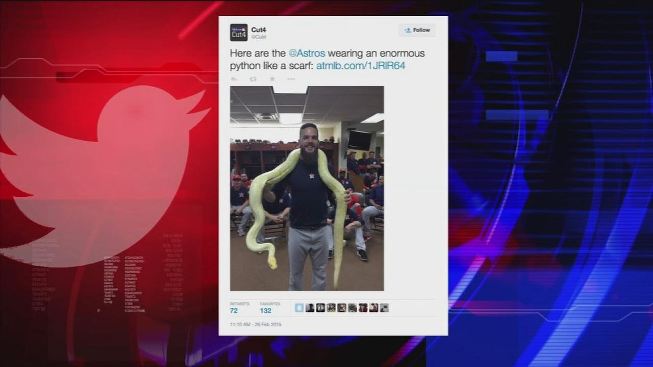 Astros get unusual clubhouse visitor