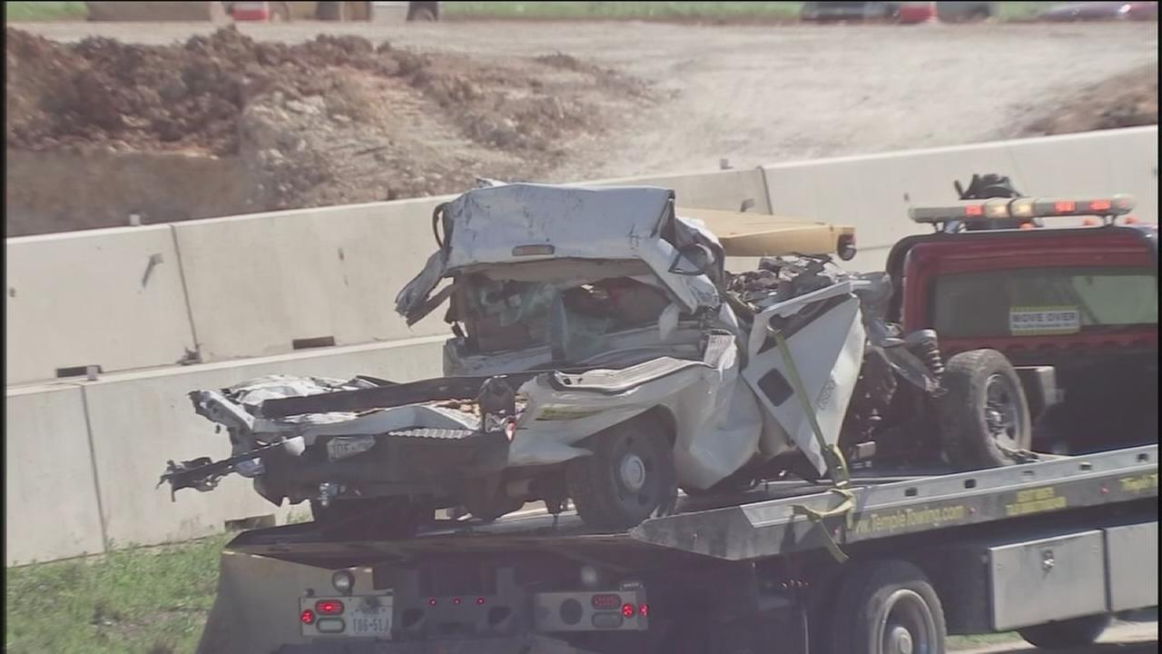 Big rig plows into I-35 bridge, killing 1