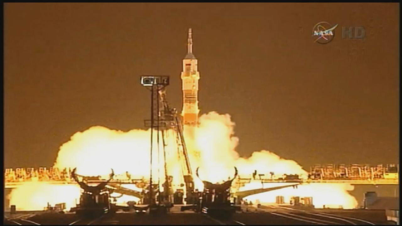 Soyuz launches carrying Scott Kelly