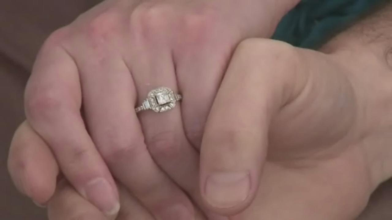 Woman gifts diamond ring to complete strangers