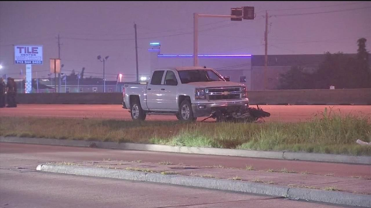 Deadly motorcycle crash on southeast Houston