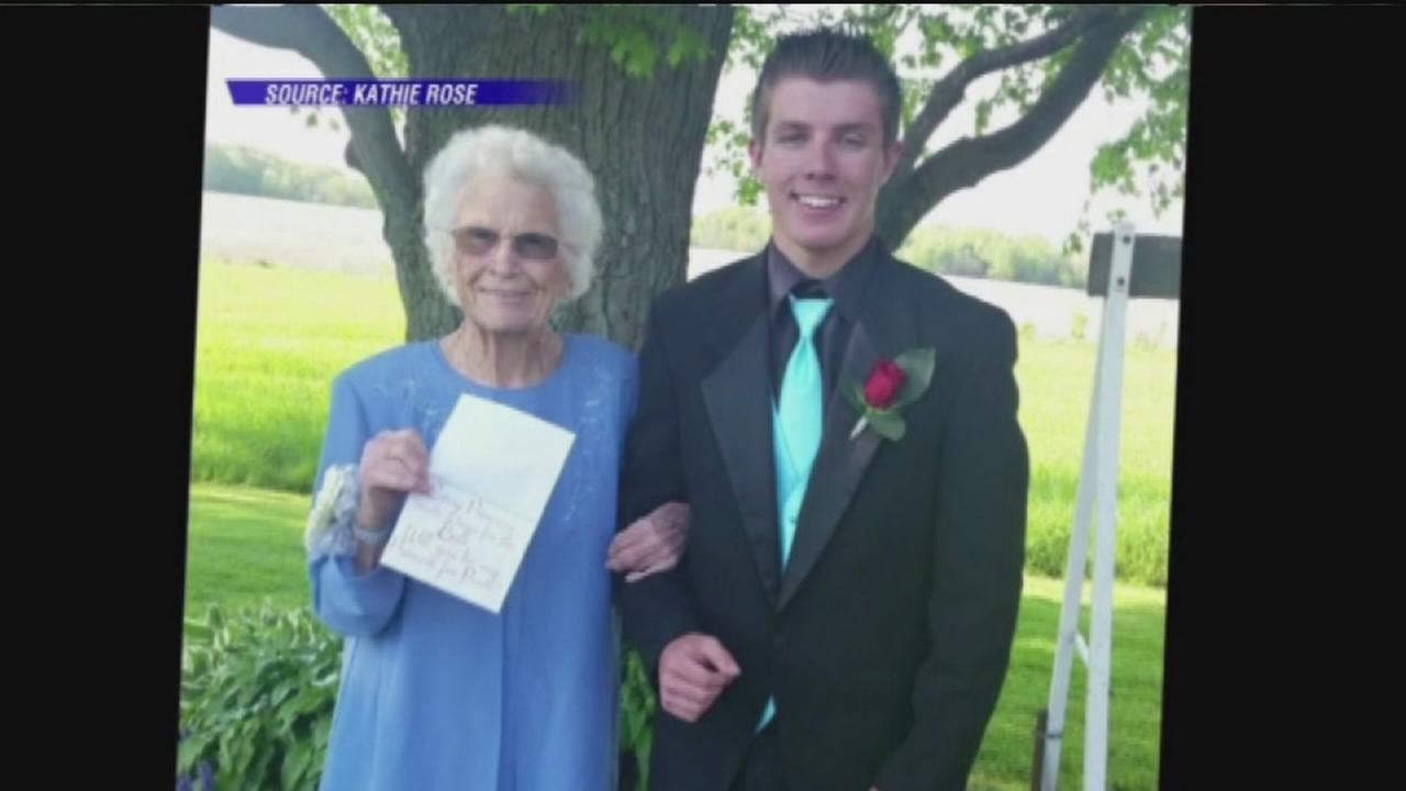 Teen takes great-grandma to prom