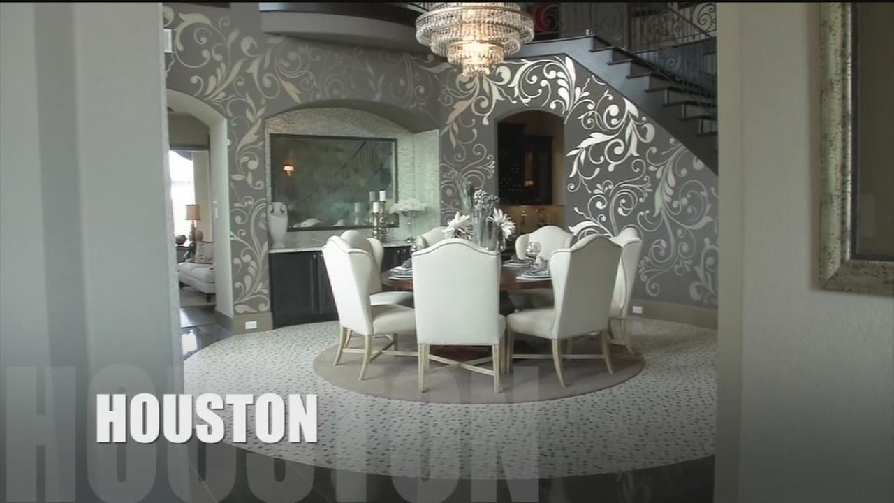 Check out million-dollars homes in Houston area