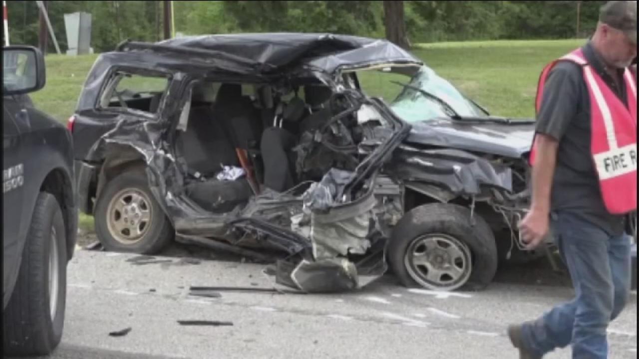 Teen dies following crash in Liberty Co.