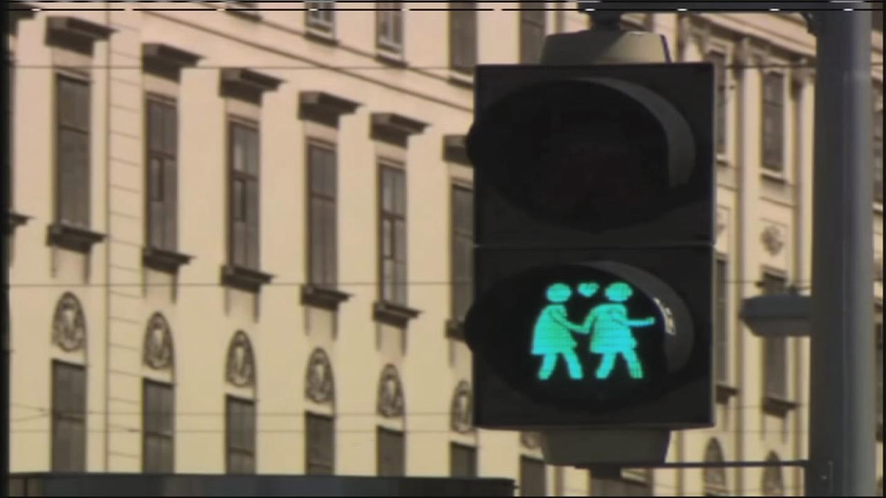 052015-ktrk-flint-gay-traffic-vid