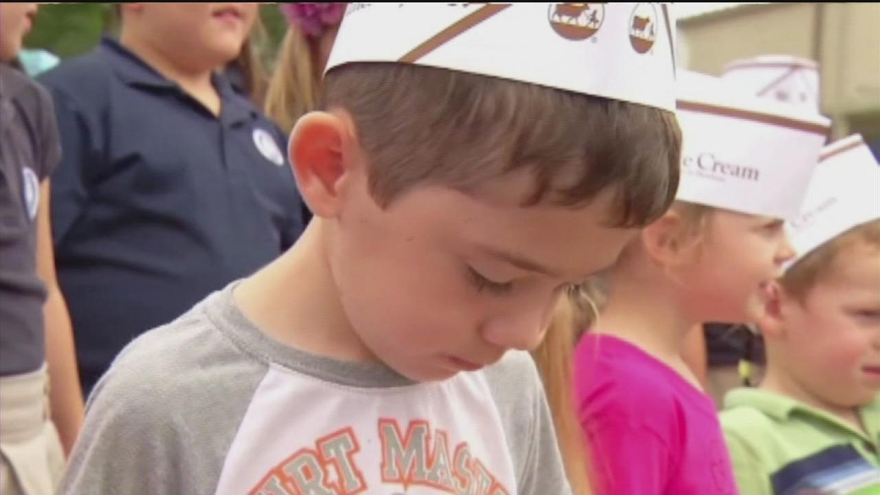 Children pray for Blue Bell company