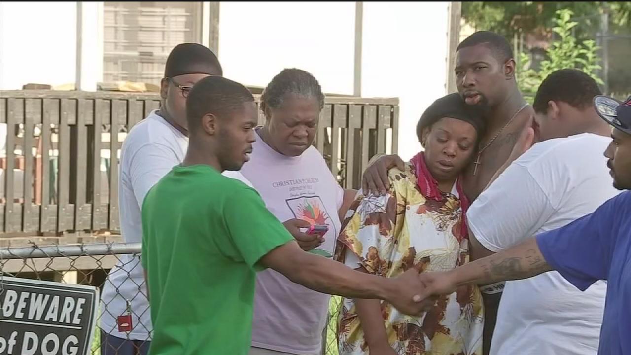 Ten kids rescued from fire