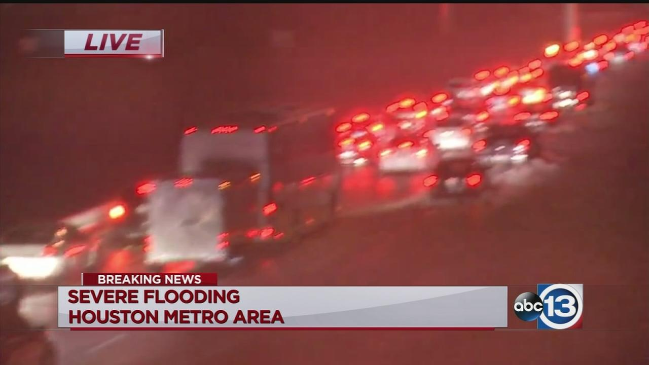 Major flooding on I-10
