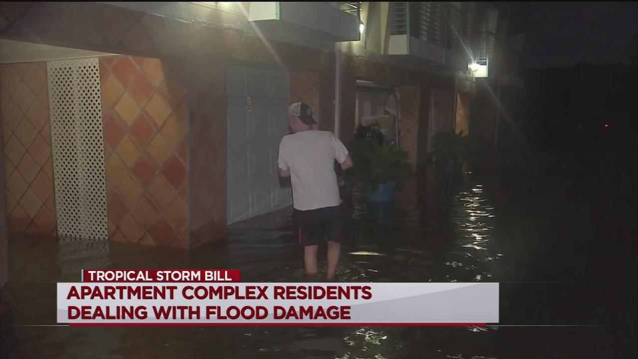 Seabrook condo garages taking on floodwater