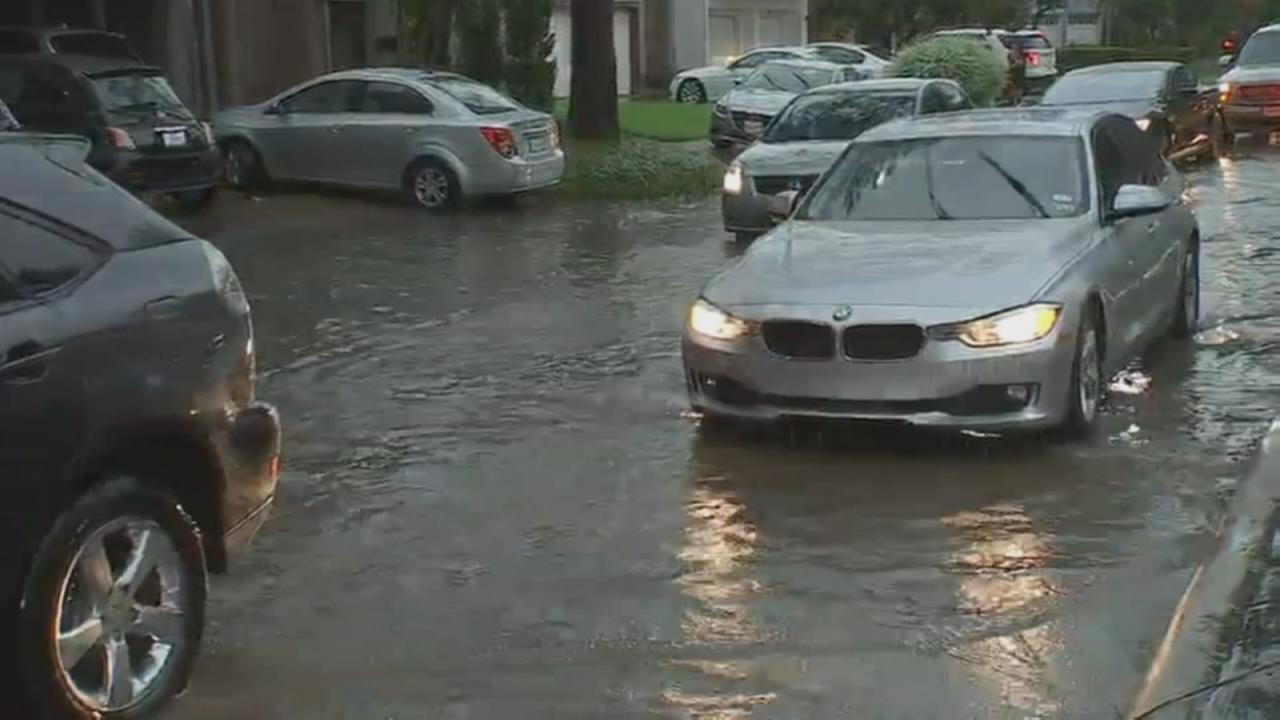 Storms flood Houston roads