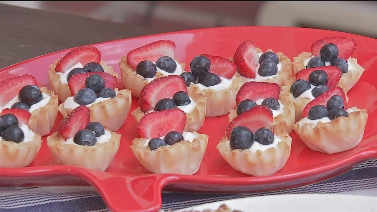 Kelly and Michael Grill Star shares July 4th recipes