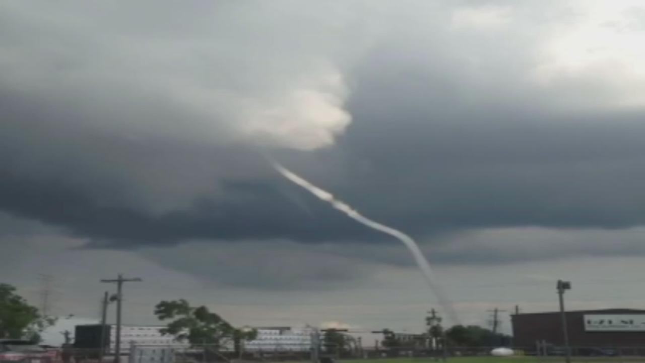 Tornado reported near Alvin